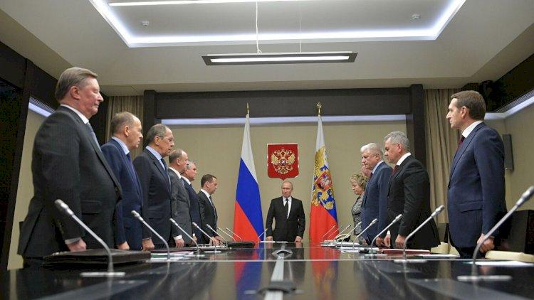 Putin Təhlükəsizlik Şurasının iclasını keçirib - Qarabağdakı vəziyyət müzakirə olunub
