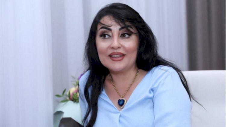 """Nizamidən də oxuyaram, Füzulidən də. Kimə nə?"""" - Afət Fərmanqızı - Video »  Gundelik-Baku.Com"""