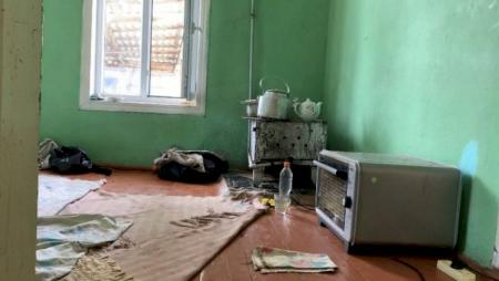 Məktəbli qız zorlandıqdan sonra bu evə gətirilirmiş – Neftçaladan reportaj