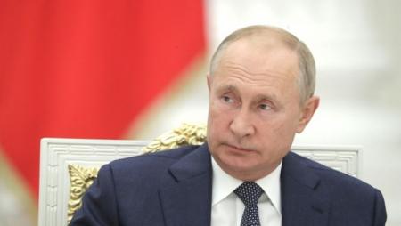 Vladimir Putin azərbaycanlı rəqqası təltif edib