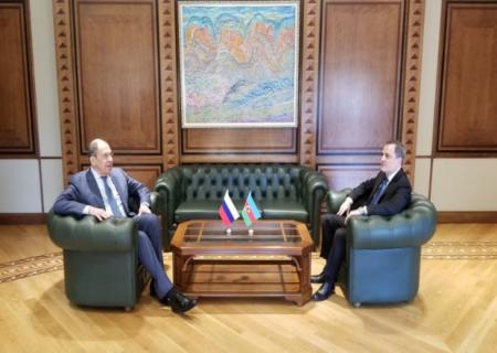 Ceyhun Bayramovla Lavrovun görüşü başladı