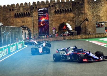 """Bakıda """"Formula 1"""" yarışı başladı"""