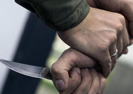 Azərbaycanda DƏHŞƏT: Qayınata kürəkənini bıçaqladı