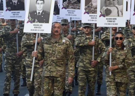 Prezidentlə xanımının iştirakı ilə yürüş keçirildi - FOTOLAR (YENİLƏNİB)
